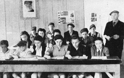 Schüler der vom Misrachi unterhaltenen Jawne-Religionsschule